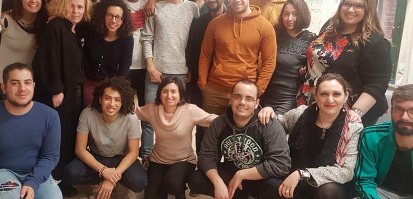 El grupo de participantes en el proyecto sobre personas refugiadas celebrado en Barajas.